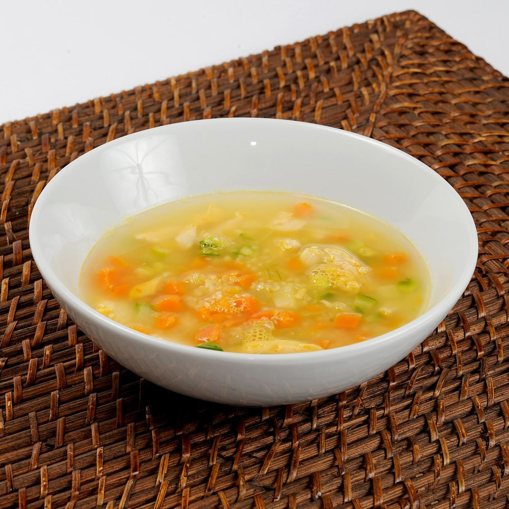 Sopa de Quinoa com Frango (172 kcal)